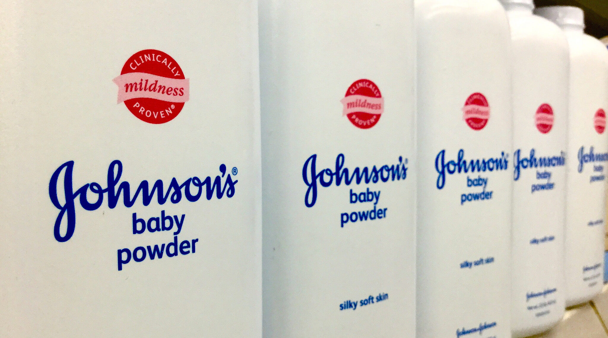 Johnson's Baby Powder, Talc, Talcum - photo par Mike Mozart